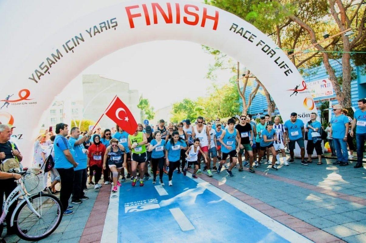 cuộc chạy đua gây quỹ từ thiện của người nước ngoài ở Thổ Nhĩ Kỳ